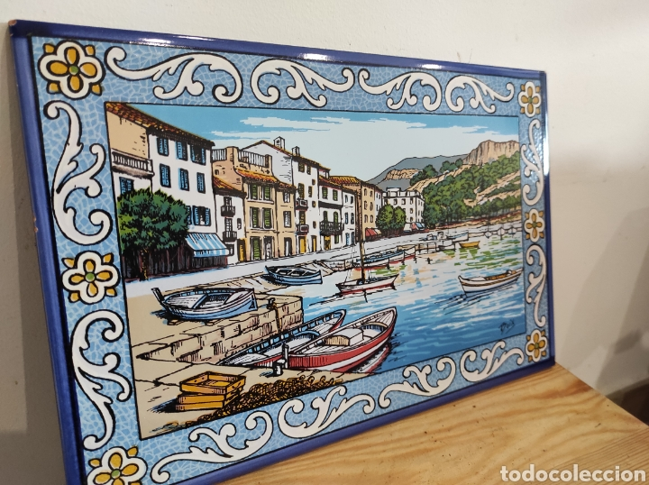Varios objetos de Arte: Azulejo vista de pueblo costero, firmado Boix. 30x20 - Foto 2 - 255981535