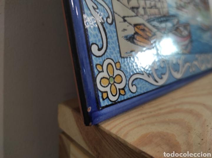Varios objetos de Arte: Azulejo vista de pueblo costero, firmado Boix. 30x20 - Foto 4 - 255981535