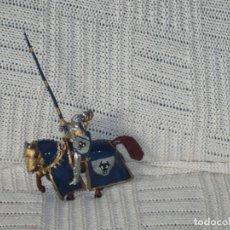 Varios objetos de Arte: GUERRERO MEDIEVAL HECHO DE PLOMO. Lote 258928710