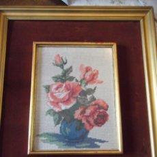 Varios objetos de Arte: CUADRO REALIZADO CON PUNTO DE CRUZ A MANO VINTAGE 55 X 47 CM. Lote 259711620