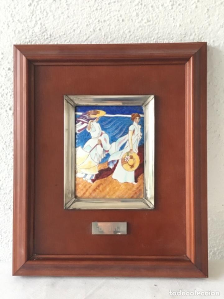 Varios objetos de Arte: CUADRO DE ESMALTE Y PLATA DE LEY Y MADERA JOAQUÍN SOROLLA. - Foto 2 - 263880935