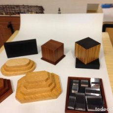Varios objetos de Arte: PEANAS DE MADERA. Lote 266147833