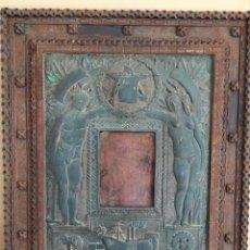 Varios objetos de Arte: MUY RARO Y ANTIGUO!!! MARCO DE HIERRO. ALEGORIA NAVAL. HERREROS. 72X60CM. Lote 266943529