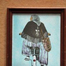 Varios objetos de Arte: CUADRO ESMALTE SOBRE PLANCHA DE METAL. MUJER EN BICICLETA. ENMARCADO 39X31. Lote 270112113