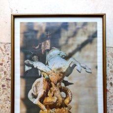 Varios objetos de Arte: CUADRO CON LÁMINA DE SANT JORDI. Lote 273910958