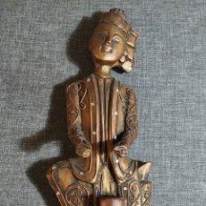 Varios objetos de Arte: FIGURA TAILANDESA ANTIGUA, MADERA POLICROMADA. Lote 274189243