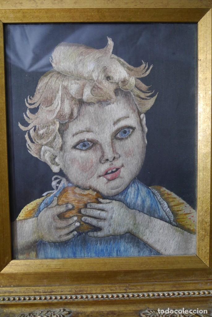 Varios objetos de Arte: Cuadro de niño merendando, bordado sobre tela - Foto 3 - 278623523