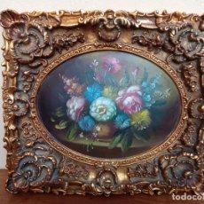 Varios objetos de Arte: CUADRO DE RESINA DORADO, PINTADO BODEGÓN FLORES, MARCO CON GRAN RELIEVE. MIDE 55 X 47. Lote 283750313