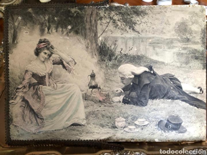 Varios objetos de Arte: PRECIOSA ESCENA GALANTE SOBRE CARTÓN. CIRCA 1920. DIMENSIONES: 32X21 CM. - Foto 2 - 289771148