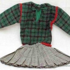 Vestidos Muñeca Española Clásica: FALDA TABLAS Y JERSEY CUADRITOS AÑOS 50. Lote 10439406