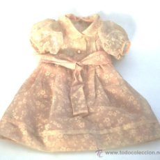 Vestidos Muñeca Española Clásica: VESTIDO DE MUÑECA EN NYLON ROSA ESTAMPADO - AÑOS 50 - 60 . Lote 28488558