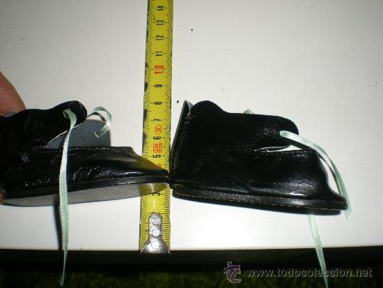 Vestidos Muñeca Española Clásica: antiguos botitas de piel negros con lazo de muñecas 8 cm años 50 ò 60 sin uso de fabrica cerrada - Foto 2 - 37100533