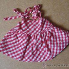 Vestidos Muñeca Española Clásica: VESTIDITO A CUADROS DE MUÑECA PEQUEÑA (MARIQUITA PEREZ ). Lote 38125202