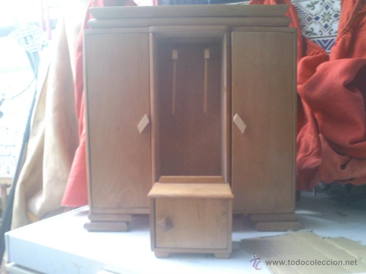 Armario de ropero para mu ecas hecho de madera comprar vestidos y accesorios mu eca espa ola - Accesorios para armarios roperos ...