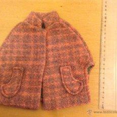Vestidos Muñeca Española Clásica: VESTIDO CAPA PARA MUÑECA 20 CMS PEKI MACLA AÑOS 50-60. Lote 41621585
