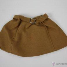 Vestidos Muñeca Española Clásica: MARIQUITA PÉREZ - FALDA EN FIELTRO CON CINTURÓN - DAÑOS DE POLILLA - AÑOS 40. Lote 41800612