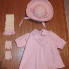 Vestidos Muñeca Española Clásica: BUFANDA Y GUANTES DE LANA,DE COLOR ROSA,DEL CONJUNTO INVIERNO,ROSA,DE MARIQUITA PÉREZ,AÑOS 40. Lote 52109828