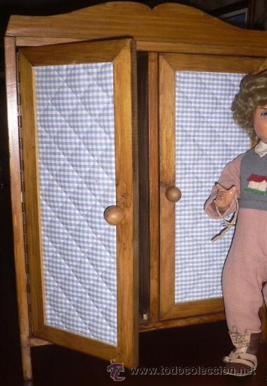 ARMARIO MUÑECAS GRANDE PARA PONER LOS VESTIDOS DE LAS MUÑECAS ANTIGUAS 56X41,50X17CM (Juguetes - Vestidos y Accesorios Muñeca Española Clásica (Hasta 1960) )