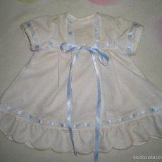 Vestidos Muñeca Española Clásica: BONITO VESTIDO ANTIGUO PARA MUÑECAS GRANDES RESTOS DE FABRICA. Lote 56671501