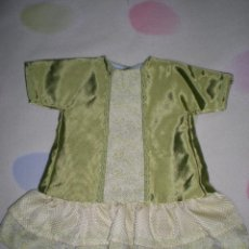 Vestidos Muñeca Española Clásica: BONITO VESTIDO ANTIGUO PARA MUÑECAS GRANDES RESTOS DE FABRICA. Lote 56671644
