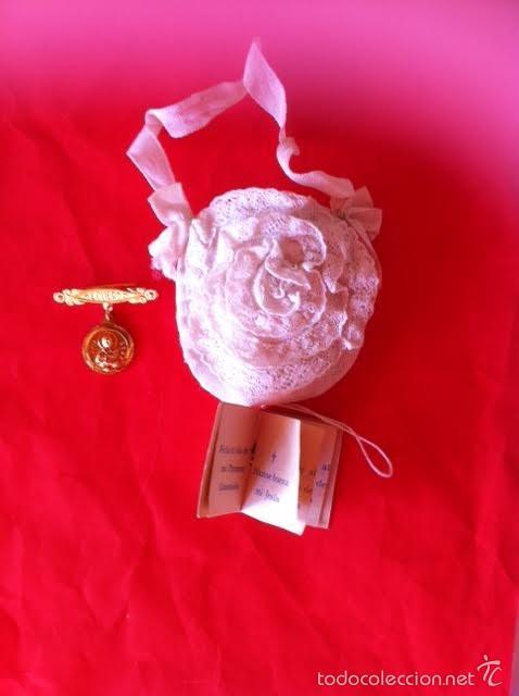 Vestidos Muñeca Española Clásica: Lote Bolso comunion limosnera , medalla aguja y librito Mariquita Pérez o Gisela años 40 - Foto 4 - 58672174