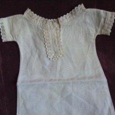 Vestidos Muñeca Española Clásica: ANTIGUO CAMISON, VESTIDO, PARA MUÑECA ANTIGUA. ALGODON , ENCAJE , PUNTILLAS. Lote 67606537