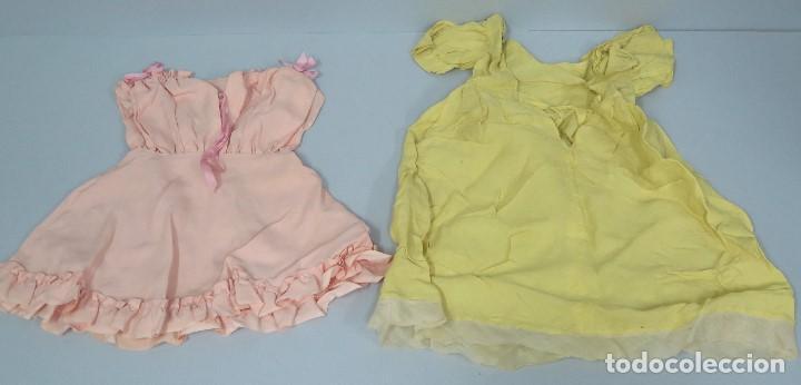 ANTIGUA PAREJA DE VESTIDOS PARA MUÑECA (Juguetes - Vestidos y Accesorios Muñeca Española Clásica (Hasta 1960) )