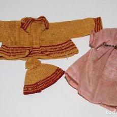 Vestidos Muñeca Española Clásica: LOTE DE ROPA PARA MUÑECA MINIATURA. 3 PIEZAS. ESPAÑA. AÑOS 40. Lote 74791995