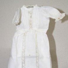 Vestidos Muñeca Española Clásica: VESTIDO PARA MUÑECA ANTIGUA. ALGODÓN Y ENCAJE. ESPAÑA. PRINC. S. XX. Lote 79021249