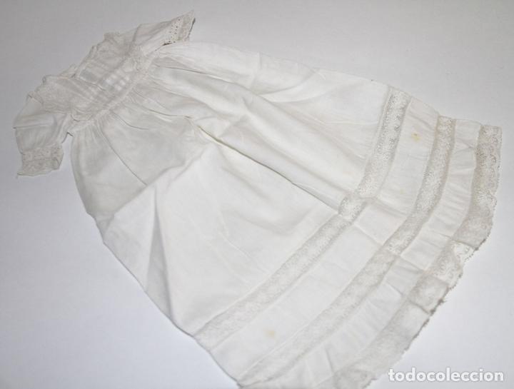 VESTIDO PARA MUÑECA ANTIGUA. ALGODÓN Y ENCAJE. ESPAÑA. PRINC. S. XX (Juguetes - Vestidos y Accesorios Muñeca Española Clásica (Hasta 1960) )