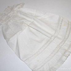 Vestidos Muñeca Española Clásica: VESTIDO PARA MUÑECA ANTIGUA. ALGODÓN Y ENCAJE. ESPAÑA. PRINC. S. XX. Lote 79022981
