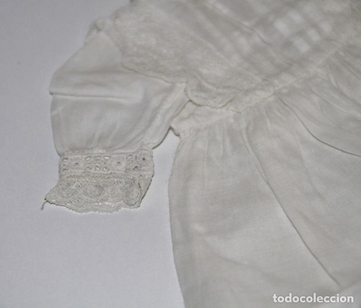 Vestidos Muñeca Española Clásica: VESTIDO PARA MUÑECA ANTIGUA. ALGODÓN Y ENCAJE. ESPAÑA. PRINC. S. XX - Foto 3 - 79022981