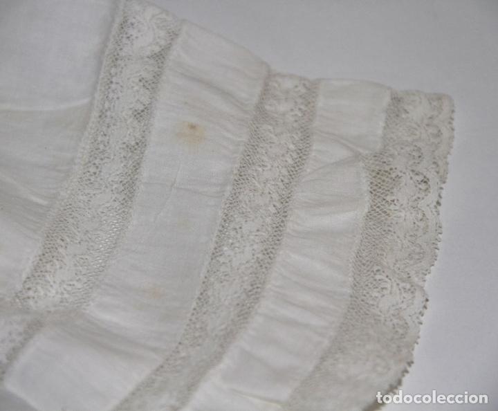 Vestidos Muñeca Española Clásica: VESTIDO PARA MUÑECA ANTIGUA. ALGODÓN Y ENCAJE. ESPAÑA. PRINC. S. XX - Foto 5 - 79022981