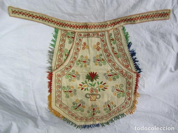 Vestidos Muñeca Española Clásica: Mandil o faldriquera de muñeca grande para traje regional Bordados hechos a mano - Foto 2 - 170859394