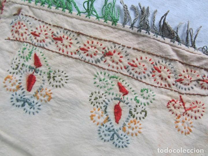 Vestidos Muñeca Española Clásica: Mandil o faldriquera de muñeca grande para traje regional Bordados hechos a mano - Foto 16 - 170859394