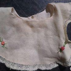 Vestidos Muñeca Española Clásica: BABERO PEQUEÑO. Lote 110855003