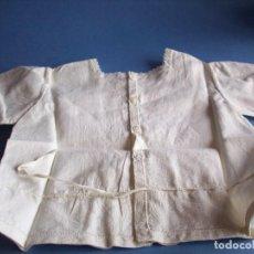 Vestidos Muñeca Española Clásica: CAMISETA PARA MUÑECO O BEBE BORDADA. Lote 112860123