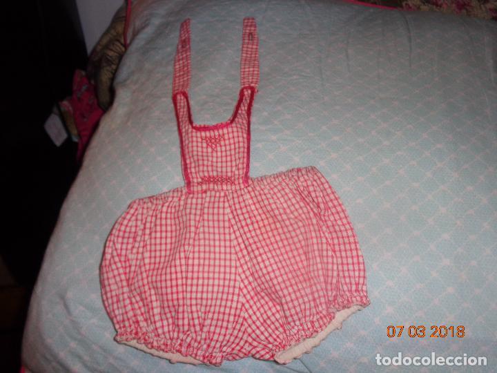 Vestidos Muñeca Española Clásica: MUY BONITO PETO DE JUANIN BEBE, A CUADRITOS, BIEN CONSERVADO - Foto 2 - 114371391