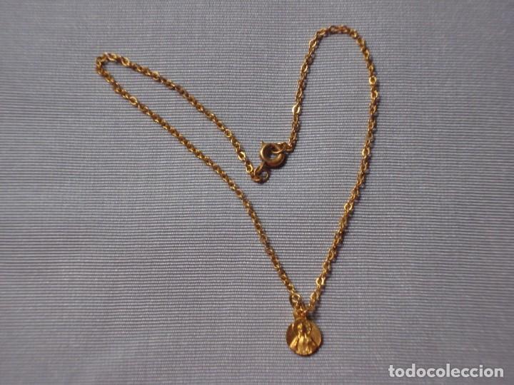 CADENA CON MEDALLA RELIGIOSA PARA MUÑECA (Juguetes - Vestidos y Accesorios Muñeca Española Clásica (Hasta 1960) )
