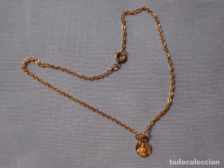 Vestidos Muñeca Española Clásica: Cadena con medalla religiosa para muñeca - Foto 2 - 120219207