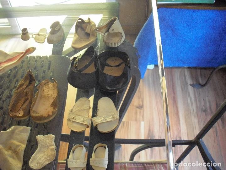 Vestidos Muñeca Española Clásica: Lote ropa muñecas antiguas,varios tamaños,faldas,pantalon,jerseys,ropa interior,zapatos....etc - Foto 15 - 128908899