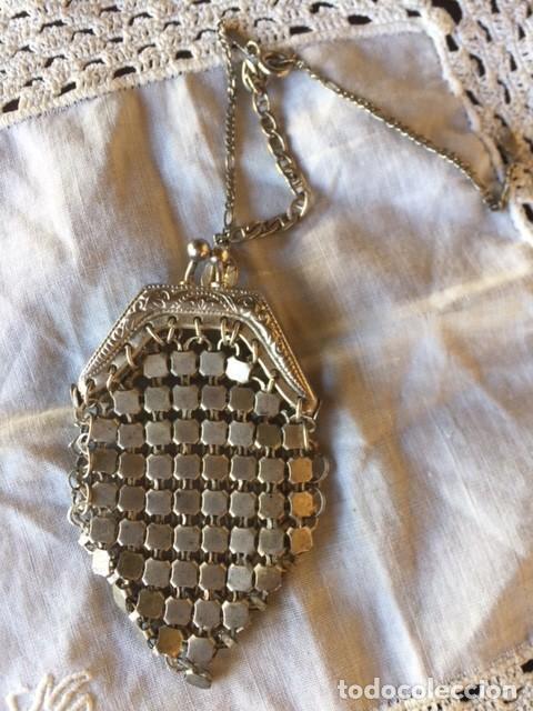 Vestidos Muñeca Española Clásica: Antiguo bolso de malla plateado con cadena plata, para muñeca antigua o decoración - Foto 2 - 135519230