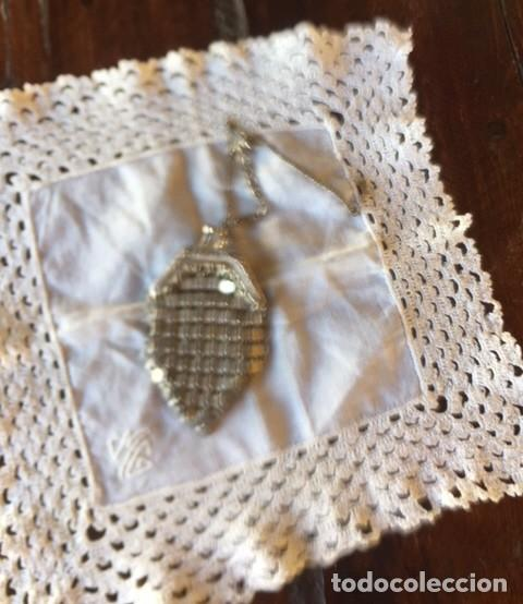 Vestidos Muñeca Española Clásica: Antiguo bolso de malla plateado con cadena plata, para muñeca antigua o decoración - Foto 4 - 135519230