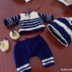 Vestidos Muñeca Española Clásica: TRAJECITO COMPLETO DE PUNTO PARA MUÑECO TIPO QUIQUE PEQUEÑO ,JUANIN ,ETC. Lote 140601078