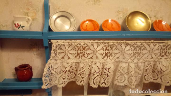 Vestidos Muñeca Española Clásica: Antigua cocina / cocinita de Juguete de los años 40-50 de madera con fregadero metalico - Foto 6 - 140808002