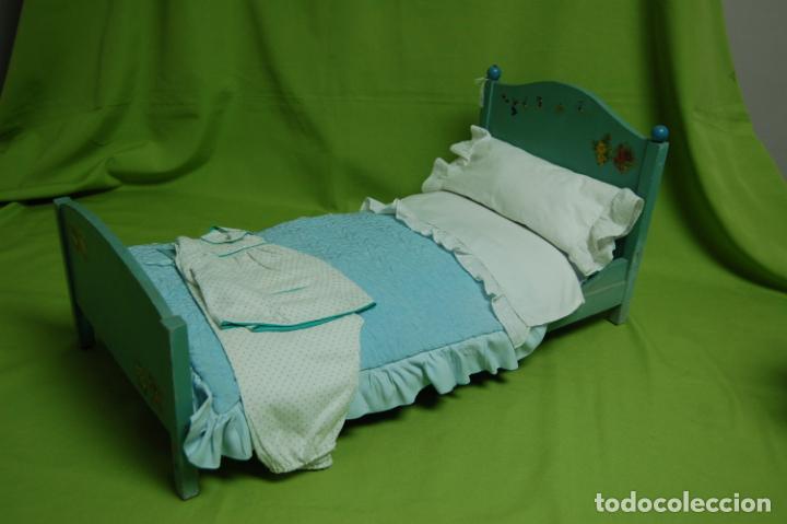 Vestidos Muñeca Española Clásica: cama de madera antigua ideal mariquita perez - Foto 7 - 141909270