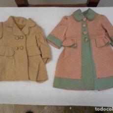 Vestidos Muñeca Española Clásica: VESTIDOS Y ROPAS DE MUÑECAS ANTIGUAS DE LOS AÑOS 50. Lote 142094818