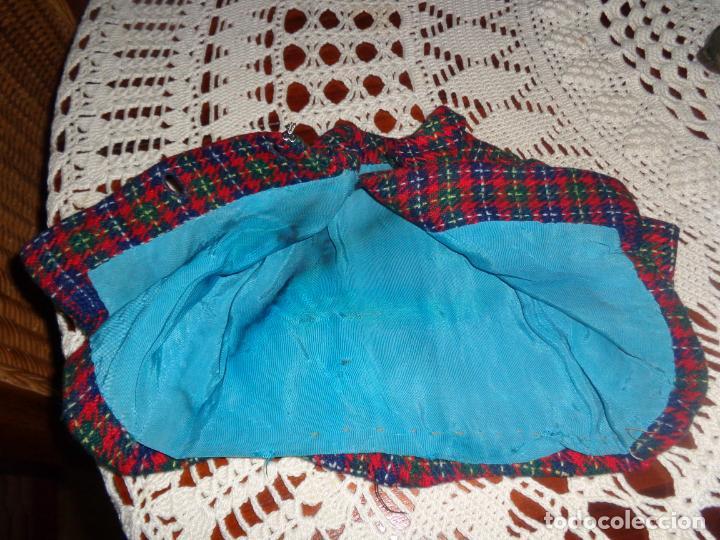Vestidos Muñeca Española Clásica: MUY BONITA CHAQUETA, LA LLEVABA UNA CAYETANA DELGADITA BIEN CONSERVADA - Foto 3 - 146274338