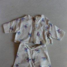 Vestidos Muñeca Española Clásica: PIJAMA EN 2 PIEZAS MUÑECA. Lote 150849650