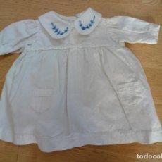 Vestidos Muñeca Española Clásica: ANTIGUO VESTIDO EN ALGODÓN PARA MUÑECA. Lote 151400994